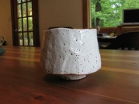 Cliff Glover specializes in tea bowls for Chanoyo, such as this